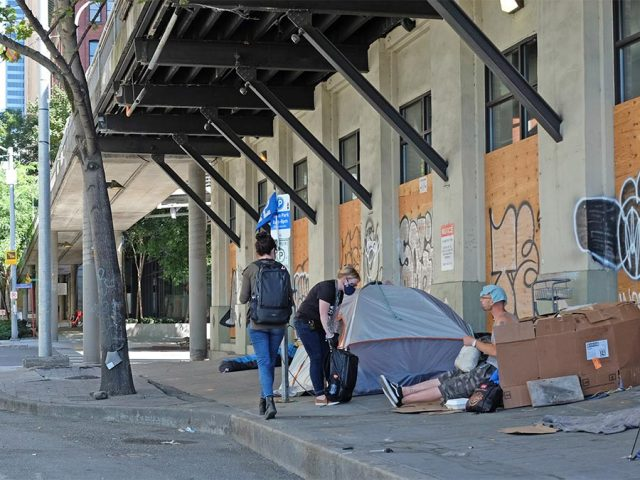 Downtown Outreach Ambassadors helping people experiencing homelessness